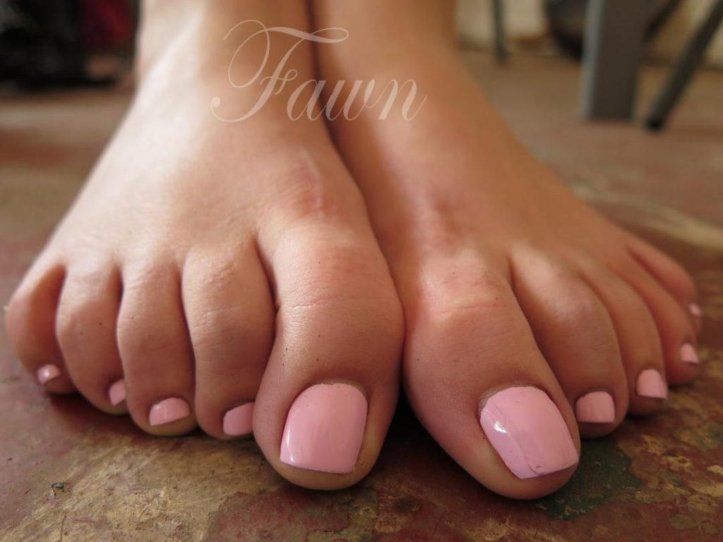 Los Angeles Foot Domme, Los Angeles foot worship, Los Angeles foot fetish, los angeles foot session